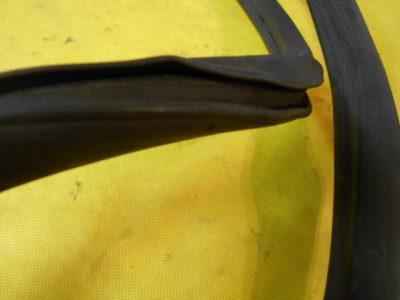 Уплотнитель заднего стекла (ОРИГИНАЛ)