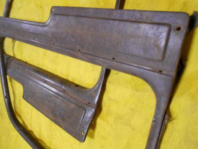 Рамка окна задней двери отделочная (правая) КОМИССИЯ (ОРИГИНАЛ)