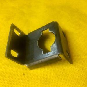 Кронштейн пусковой рукоятки 2- я мод.