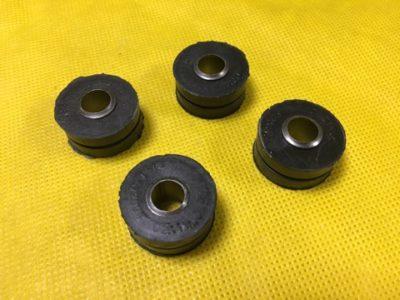 Прокладка пружинной пластины крепления радиатора + втулка