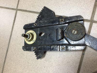 Механизм стеклоподъемника правый задний ГАЗ-21 (ОРИГИНАЛ)