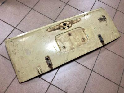 ГАЗ-22 Дверь задка в сборе. КОМИССИЯ