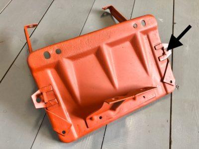 Основание крепления аккумуляторной батареи с кронштейнами в сборе ГАЗ-21 (ОРИГИНАЛ)