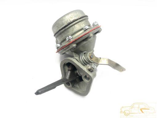 Насос топливный ГАЗ-24